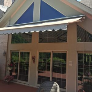 retractable awning barrington IL.