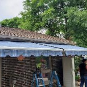 retractable awning lake zurich